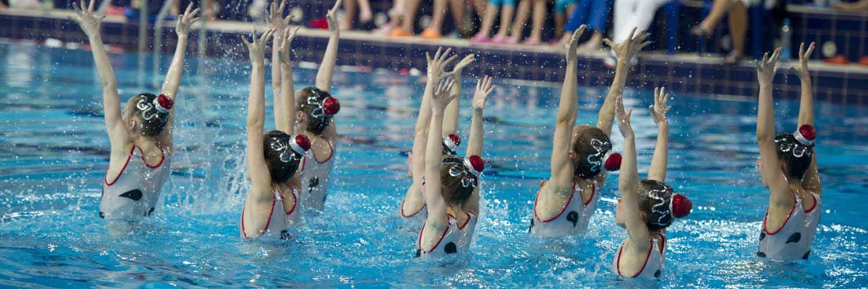 Групповые занятия в бассейне